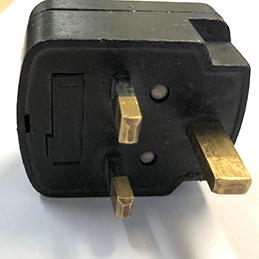 3 prong international plug
