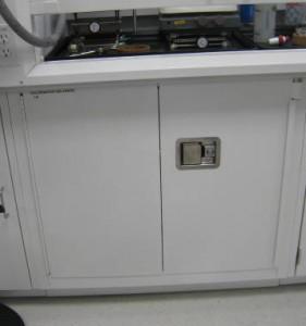 flammable cabinet self closing doors